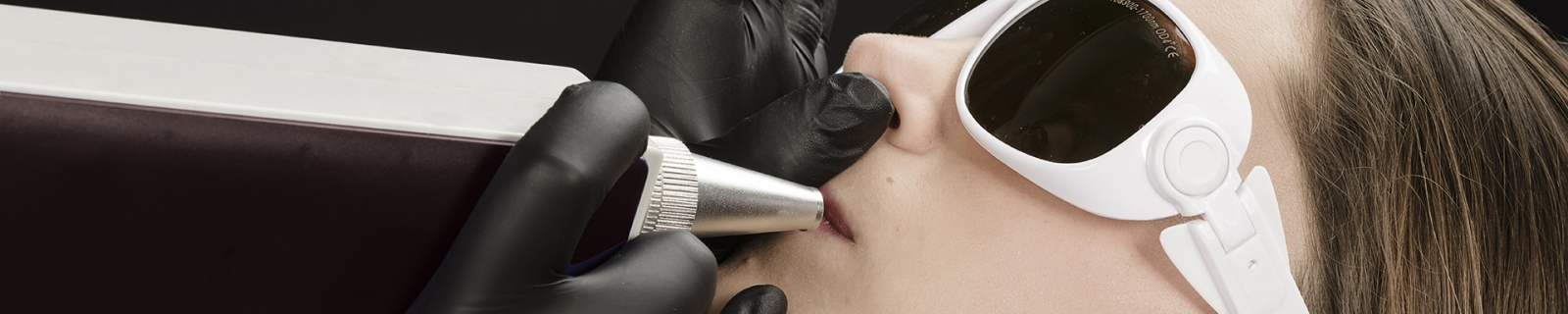 laserowe usuwanie makijażu tatuażu i makijażu permanentnego