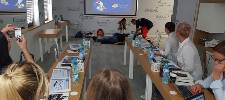 szkolenie pierwsza pomoc w makijażu permanentnym Warszawa